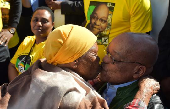 Jacob Zuma Kissing an old lady during ANC's door-to-door campaign. Photo by Oupa Mokoena, IOL.