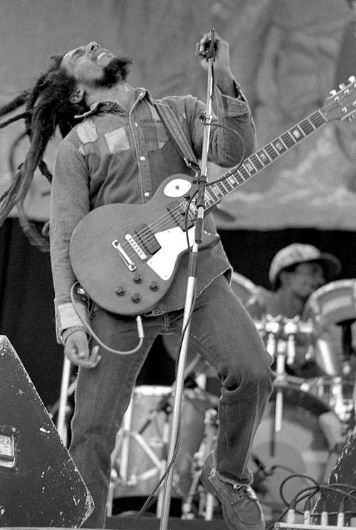 Bob-Marley live on stage