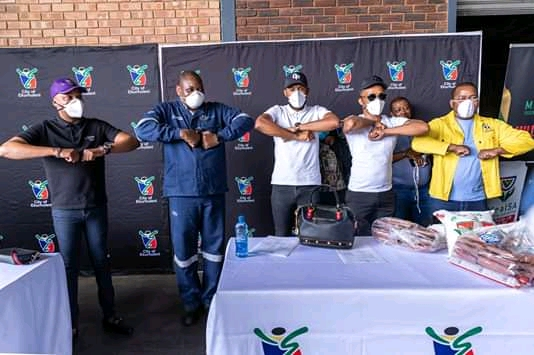Social Distancing at the Ekurhuleni Food Bank launch. Somhale Foundation
